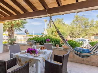 Sea side Cottage in Son Serra Marina 4 persons