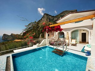 Nerano Villa Sleeps 10 with Pool Air Con and WiFi - 5826226