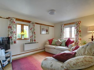 Newchurch Holiday Home Sleeps 4 with WiFi - 5026781