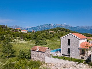 Durasevici Villa Sleeps 8 with Pool and Air Con - 5825382