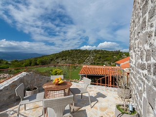 Durasevici Villa Sleeps 6 with Pool and Air Con