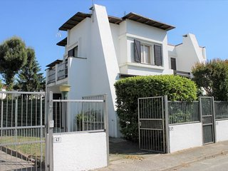 Casa Arletta Apartment Sleeps 6 with Air Con - 5825361