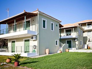 Aselinos Villa Sleeps 6 with Pool and Air Con - 5824904