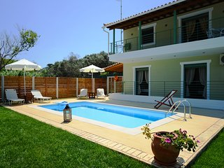 Aselinos Villa Sleeps 6 with Pool and Air Con - 5824903