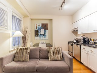 RITTENHOUSE SQUARE 1R, HISTORIC APT IN CENTER CITY