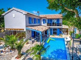 Novi Vinodolski Villa Sleeps 8 with Pool and Air Con