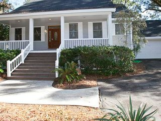 Island dwelling w/  deck & private fishing dock - steps from the beach!