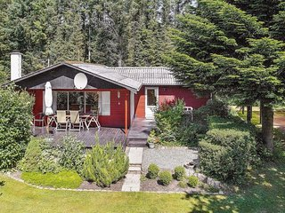 Sonder Ydby Holiday Home Sleeps 6 - 5365161