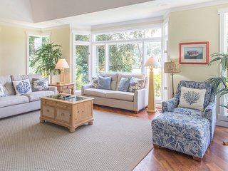 Sea Pines home w/ private pool, family-friendly spaces, near beach and golf!