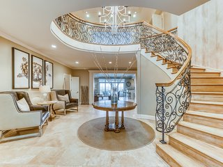Luxurious oceanfront home w/ pool, balcony & beach access - weddings welcome!