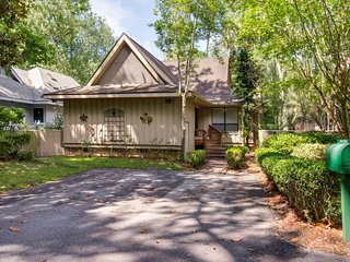 Inviting dog-friendly home on golf course w/ private deck - central location!