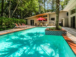 Secluded dwelling w/ private pool - steps away from the beach!