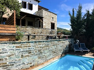 Agios Georgios Nileias Villa Sleeps 6 with Pool - 5822418
