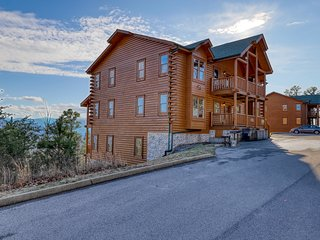 Large, dog-friendly cabin w/ amazing mountain views & a private hot tub