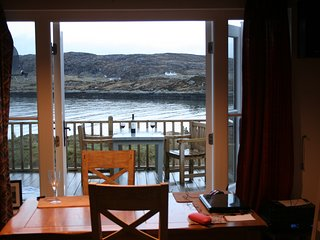 Stylish Modern holiday/ honeymoon Bungalow on Wonderful Outer Hebrides, Scotland