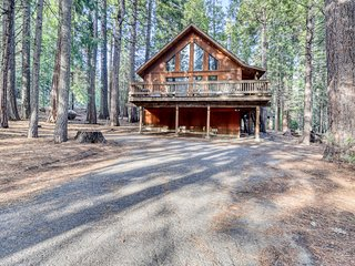 Peaceful chalet w/ forest views, shared pools, & tennis - near skiing & hiking!