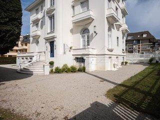 Appartement standing 107m2 avec terrasse 100m2  face mer