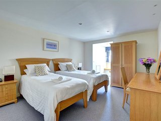 Saint Mawgan Apartment Sleeps 4 with WiFi - 5035746
