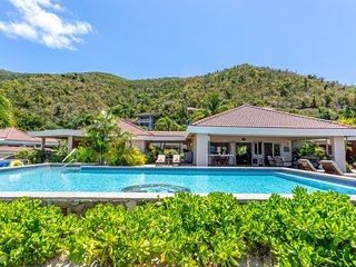 Sea Fans - 4 BR Beachfront Villa on Spectacular Mahoe Bay