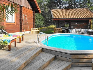 Tollestorp Holiday Home Sleeps 6 with Pool and WiFi