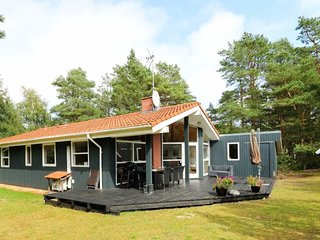 Odde Holiday Home Sleeps 8 with WiFi - 5812244