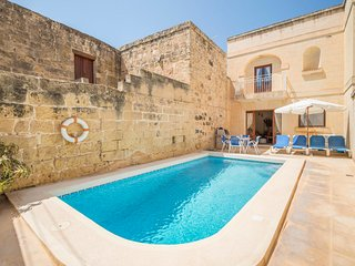 Xewkija Villa Sleeps 6 with Pool and Air Con - 5812134