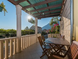 Apartments Maestral - Two-Bedroom Apartment with Terrace