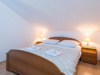 Apartments Maestral - Standard Two-Bedroom Apartment with Partial Sea View