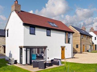 West Chaldon Villa Sleeps 9 with Pool - 5657601
