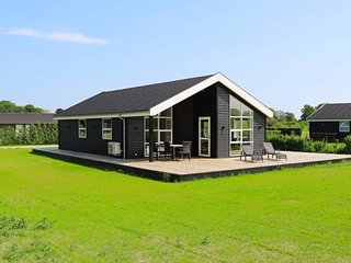 Haslevgarde Holiday Home Sleeps 8 - 5806728