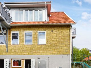 Hunnebostrand Apartment Sleeps 4 with WiFi