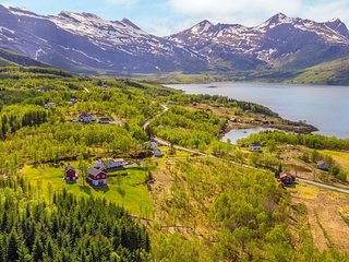 Finnset Holiday Home Sleeps 8 with WiFi - 5777682