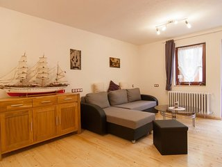 Cologne Apartment Sleeps 6 with WiFi