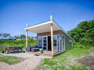 Ouddorp Holiday Home Sleeps 6 with WiFi - 5312043