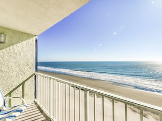 Lovely oceanfront condo w/ shared heated pool, grills, and sun deck!