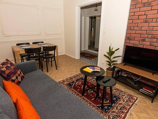 Central & Stylish Apt with Garden in Kadikoy!