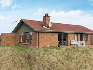 Norre Vorupor Holiday Home Sleeps 6 with WiFi - 5787061