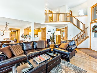 Cuddle up in this cozy mountain home w/ fireplace, deck & nearby skiing!