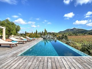 Villa Son Bennassar with infinity pool and countryside views