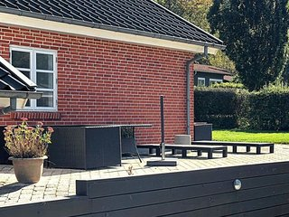 Brejning Holiday Home Sleeps 6 with WiFi - 5036669