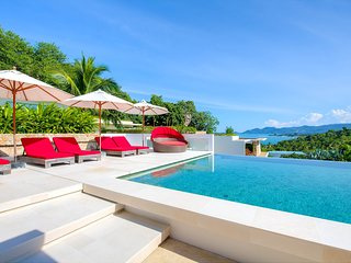 Choeng Mon Beach Villa Sleeps 8 with Pool - 5778299