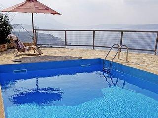 Drapanos Holiday Home Sleeps 6 with Pool and WiFi - 5052509