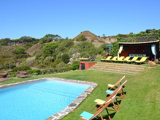 Biscaia Villa Sleeps 15 with Pool and Air Con