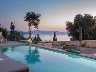 Kokolata Villa Sleeps 4 with Pool Air Con and WiFi - 5826202