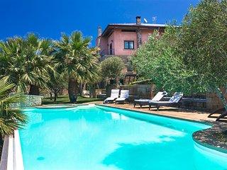 Caria Ferro Villa Sleeps 9 with Pool Air Con and WiFi - 5826155