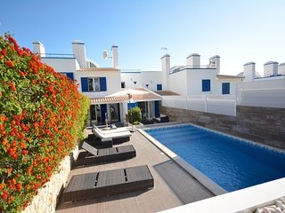 Vale do Garrao Town House Sleeps 6 with Pool and Air Con - 5826176