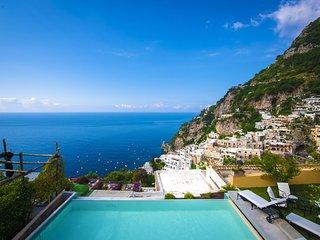 Positano Villa Sleeps 12 with Pool Air Con and WiFi - 5826031
