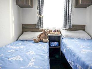 Chwilog Holiday Home Sleeps 4 with Pool - 5817856