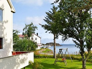 Stamsund Holiday Home Sleeps 7 with WiFi - 5485440