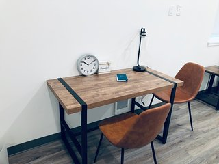 stylish studio in u-district